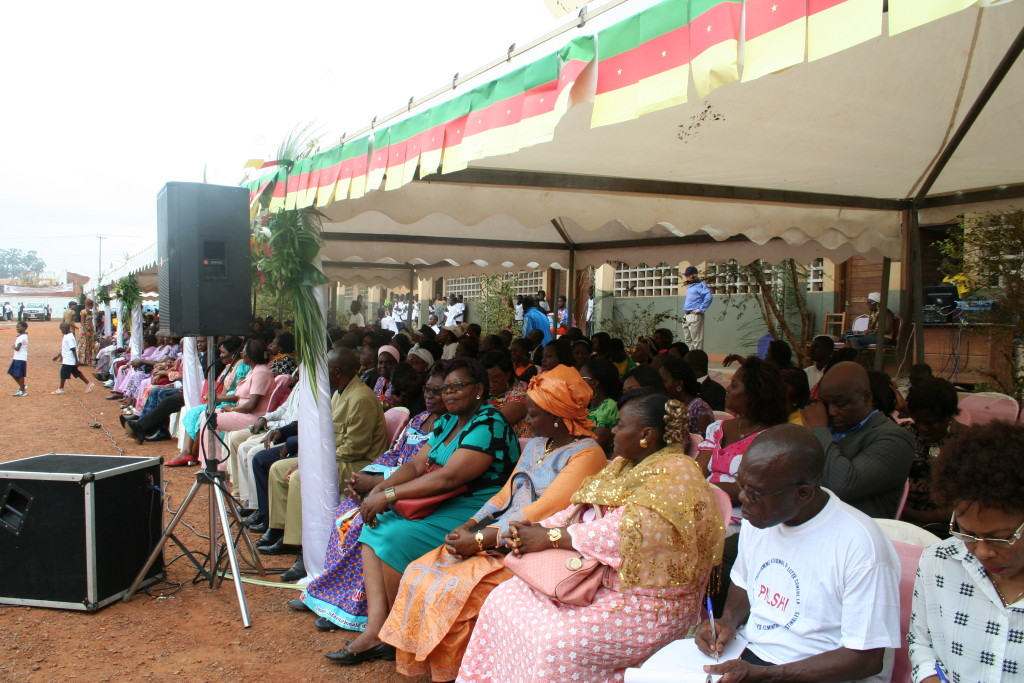 Guests, consisting of neighbouring school directors, teachers, and the media.
